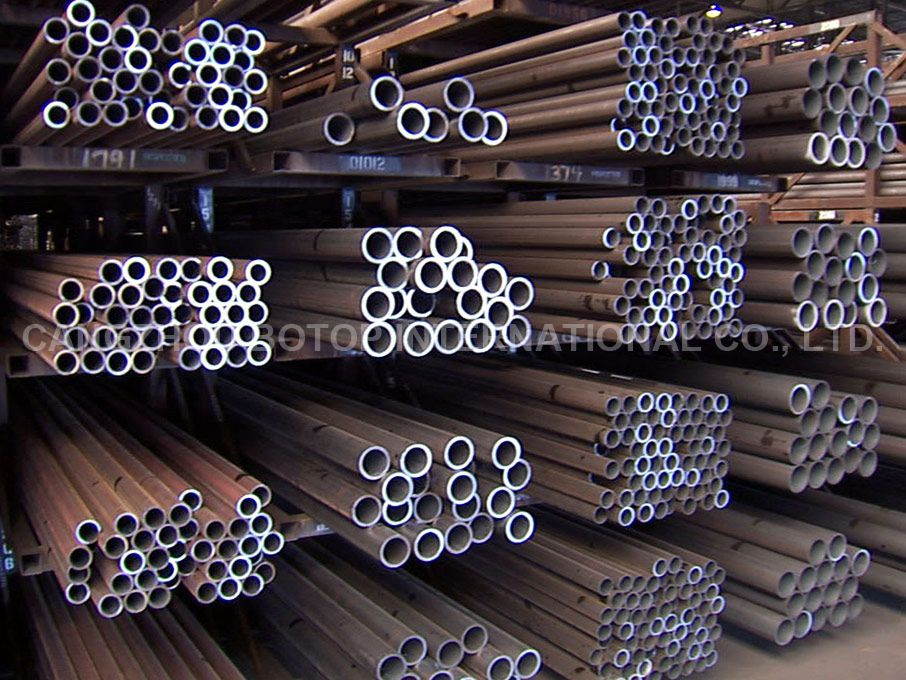 ASTM A 106 Black Carbon Seamless Steel Pipe for High-Temperature Service
